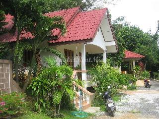 Cosy Bungalow near the beach Yanuy, Rawai