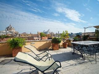 Piazza Venezia Penthouse apartment in Centro Stor…