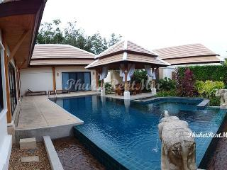 Three-bedroom Villa luxury apartments with a beautiful garden in a gated complex, Nai Harn