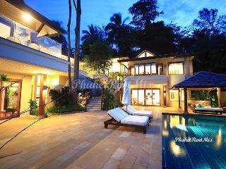 Luxury 4 bedroom Villa with stunning, panoramic views of the Andaman sea, near the beach of Kata and Kata Noi, Molesworth