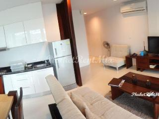 Three-bedroom apartment in Surin Park