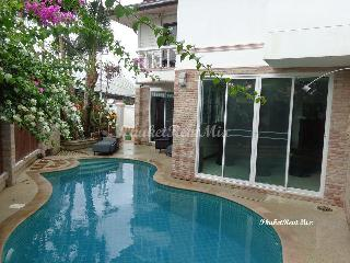 Three-bedroom Villa near the beach and private pool, Surin