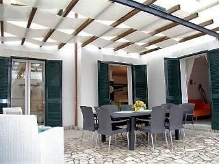 Holiday home on the first floor in residence with swimming pool in Santa Maria d