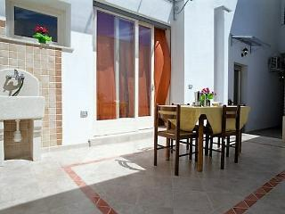 Two-roomed holiday house Rosa in Ugento in Salento a few kilometers from the sea