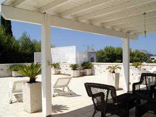 Penthouse for rent in Rivabella Gallipoli with panoramic terrace about 150 mt f