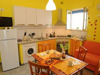 Holiday home in Lido Conchiglie with sea-view terrace just meters from the beach
