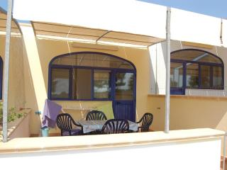 Two-roomed holiday home in Torre Pali Salento Puglia two steps from the sandy co