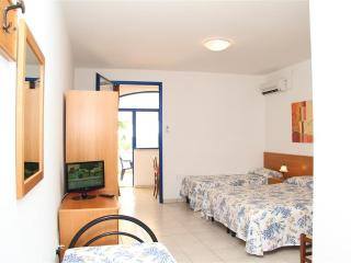 Two bedroom n.18 apartment for rent in Torre Pali near the sea in Salento in Pug