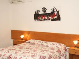 Two-roomed holiday home in a residence in Torre Pali near the sea and with