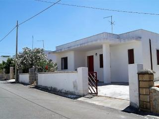 House-to-house-in-Salento-Capilungo-Alliste-a-few-meters-from-sea-CV603