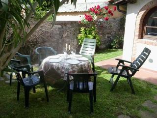 Mary2 caratteristica casa toscana con giardino