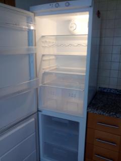 Detalle frigorífico - congelador combi