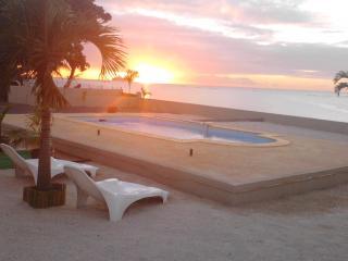 Villa 33, Bord de mer, piscine Free WiFi