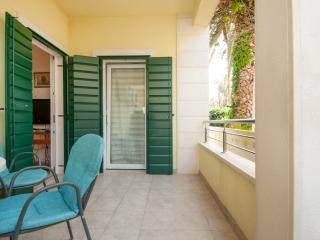 Two Bedroom Apartment with Terrace, Supetar