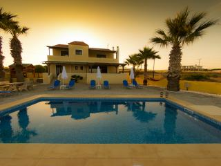 Blue Asteri Villa up to 15, Lachania