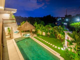 Golden Palm Luxury 5 bedroom Villa in Canggu