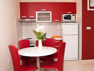 Apartments Komarna - Red apartments