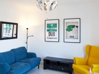 Stylish Temple Bar Apartment With River Views, Dublin
