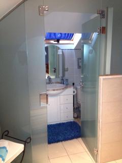 wc, ducha, lava manos de habitación doble