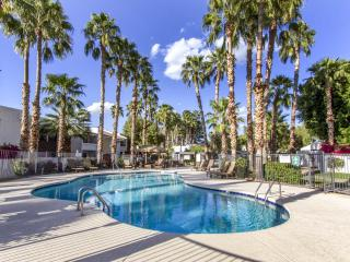 Just Like Home! Furn 2Bd Condo in McCormick Ranch, Scottsdale