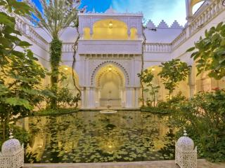 Luxury riad with terrace and garden, El Yadida