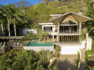 Casa Alegria - 5 Bedroom Tropical house with ocean view