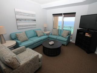 July 9th Special!  Tram Included. Remodeled. Sleeps 11! Direct beach view, Destin
