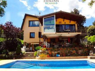Villa Vistas Preciosas for 8, tucked away in the Catalonia mountains!, Castellar del Valles