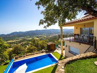 Catalunya Casas: Tranquil Costa Brava paradise for 8-9 guests, 6km to the beach!