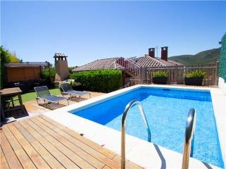 Gorgeous villa in El Vendrell for 8 guests, only 6km from the beaches of Costa Dorada