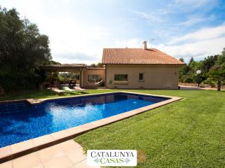 Glorious villa in Bellaterra for 13 guests, located right outside Barcelona