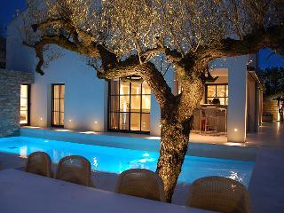 Five bed Villa, close to centre of St Tropez ., St-Tropez