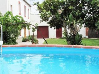 Masia for 10 people, in the heart of Spanish wine country!, Sant Marti Sarroca