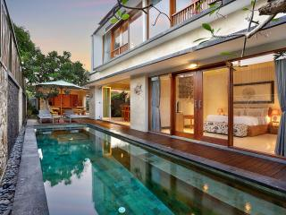 Lacasa Villa 3 Bedroom Private Pool Villa, Legian
