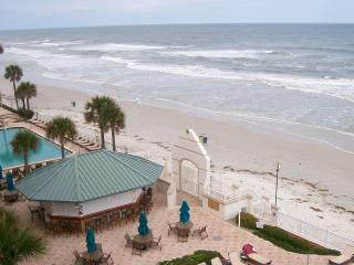 Oceanfront One Bedrm Condo/306/Daytona Bch Resort