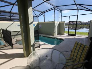 Private Pool With Serene Lake View!, Kissimmee