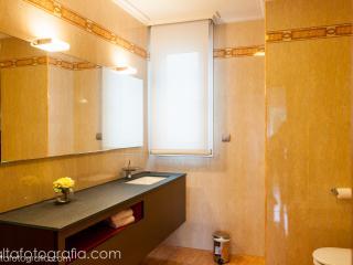 Baño privado, habitación principal.