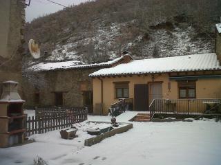 Casa adosada tradicional en montana centra en Leon