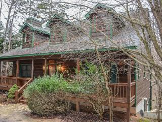 RIVERBEND- 4 BR/3.5 BA, LOG CABIN, LOCATED IN COOSAWATTEE RIVER RESORT, RIVER ACCESS, WOOD BURNING FIREPLACE, FOOSEBALL, GAS GRILL, HOT TUB, PLUS ALL THE AMENITIES OF THE COOSAWATTEE RIVER RESORT, STARTING AT $150/NIGHT!, Blue Ridge