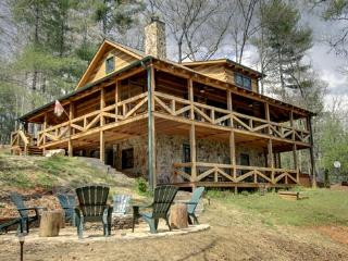 ASKA ESCAPE- 3BR/3BA- AWESOME TRUE LOG CABIN WITH UPSCALE FURNISHINGS, 52 INCH TV, GAS AND WOOD BURNING FIREPLACES, WIFI, SATELLITE TV, SECLUDED HOT TUB, GAS GRILL, HAMMOCK! STARTING AT $159 A NIGHT!, Blue Ridge