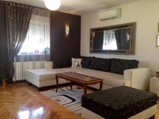 Modern apartment near beach, Brodarica