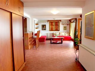 Sveti Stefan /comfort apartment for 8 people/150m2