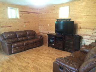 Family Friendly 3BR Home - Mins from Black River