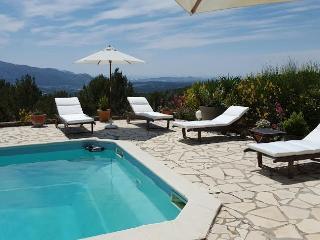 Bastide Le Jas 8 Personnes, piscine et tennis, Aubagne