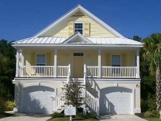 MYRTLE BEACH HOUSE - Close to Ocean - Walk to Private Beach