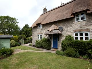 Corner Cottage Osmington Dorset Thatched 4 bedroom cottage near beach pub & shop