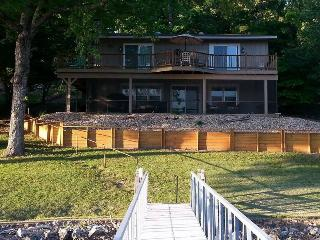 Sunset Cove - Quaint Lake Home, Great Lake Views, No Wake Cove. 36 MM Osage Arm., Sunrise Beach