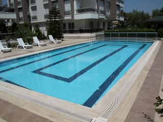 Elite 2+1 apartment (450m to sea), Antalya