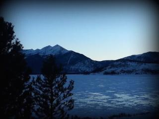 New Listing! Direct Lake View & Close to Skiing!