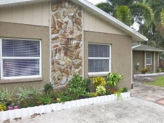 Family friendly house with pool/heated spa, Lido Key